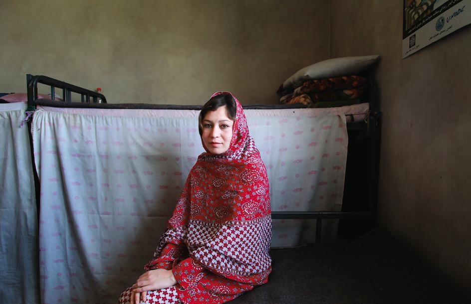 MFA Photo Alumna Gabriela Maj Documents Inmates of Women's Prison in  Afghanistan - Art, Media, & Technology